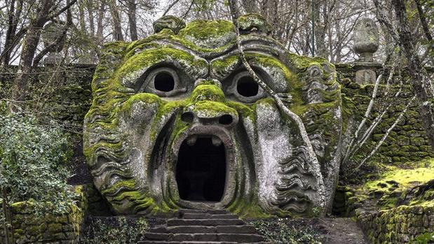 Uno de los «monstruos» del bosque de Bomarzo