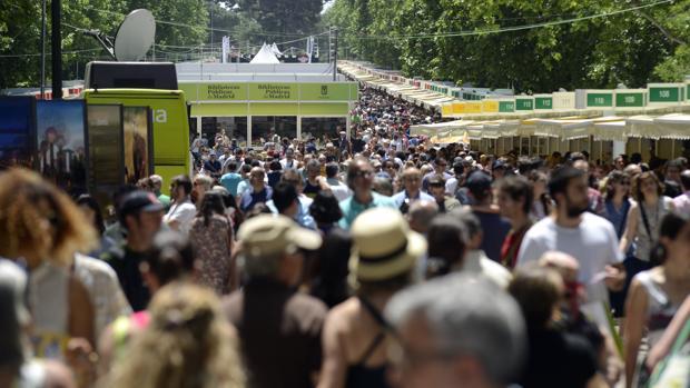 El año pasado, la Feria del Libro de Madrid facturó 8,8 millones de euros, un 8% más que en la edición de 2016