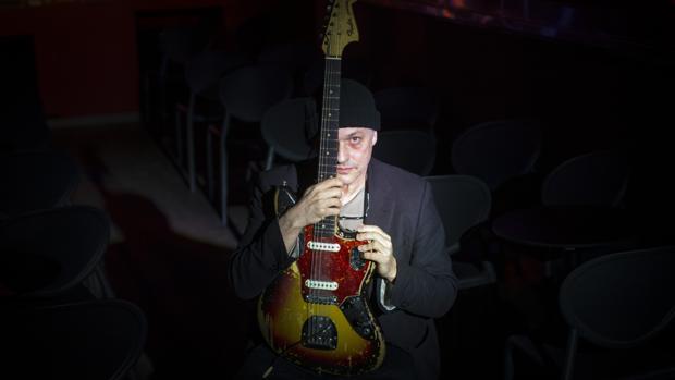 Marc Ribot, un par de horas antes de su concierto en la sala Clamores de Madrid