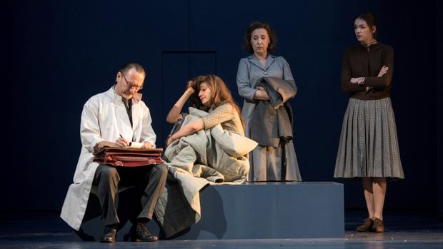 Una imagen de los ensayos de la adaptación de «L'Éveil du Printemps», dirigida por Clément Hervieu-Léger