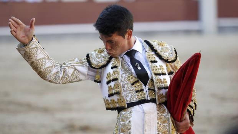 El torero Manolo Vanegas, operado con éxito de su durísima lesión cervical