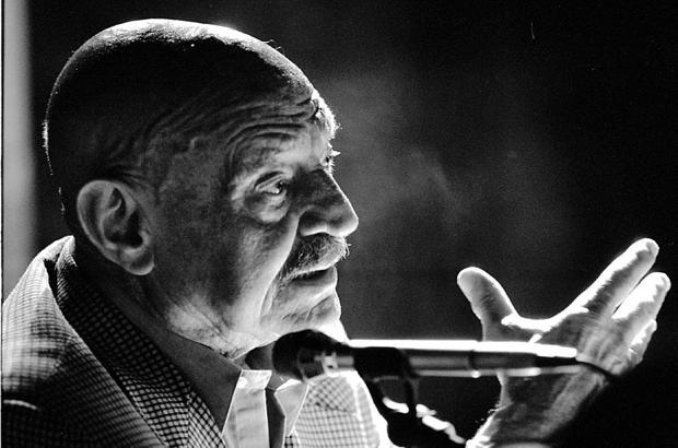 José Hiero recitando en 1998