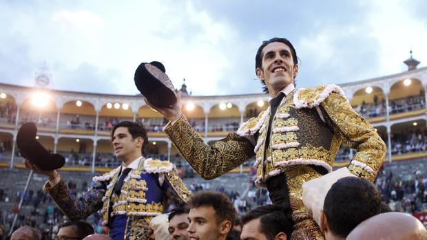 López Simón y Talavante salen a hombros de Las Ventas