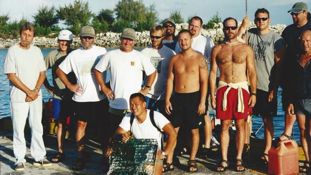 Dooley, a la izquierda, cuando trabajaba para Sea Search Armada