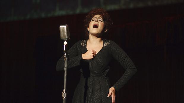 Mariaca Semprún, como Edith Piaf