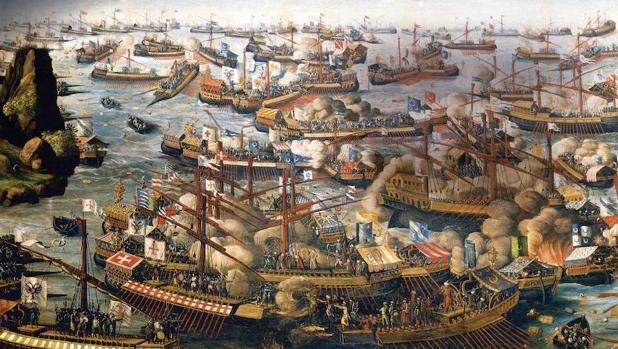 Alejandro Farnesio participó, entre otras, en la batalla de Lepanto, representada en este grabado