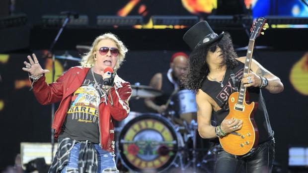 Axel Rose y Slash durante un concierto de Guns N' Roses