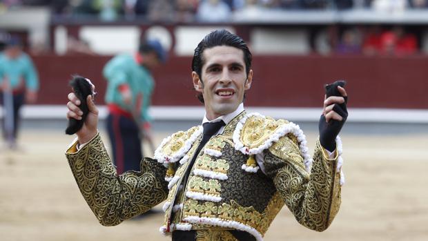 Alejandro Talavante pasea dos orejas en Las Ventas
