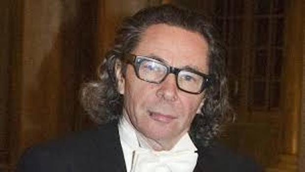 El arista francés Jean-Claude Arnault