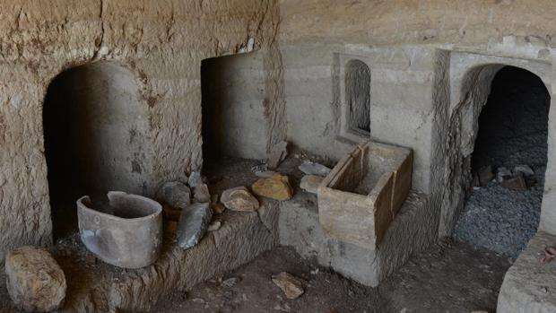 Interior de la cueva funeraria