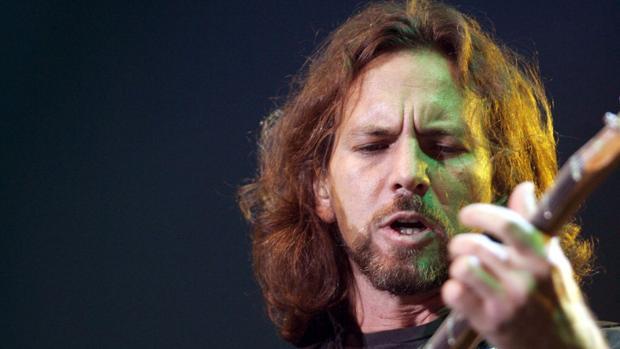 Eddie Vedder, cantante de Pearl Jam, durante un concierto de la banda