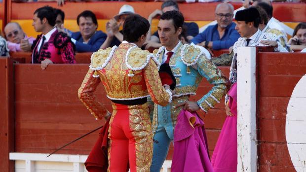 Paco Ureña brinda su primera faena a Francisco José Palazón
