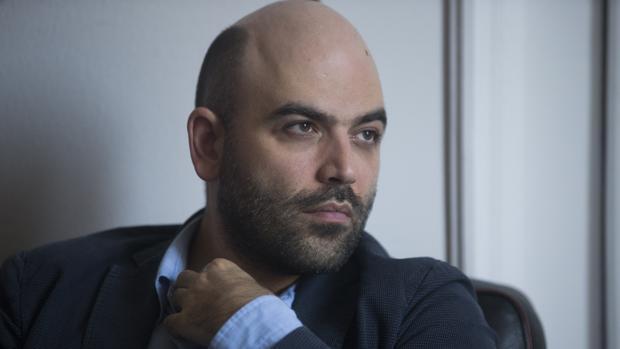 El escritor Roberto Saviano