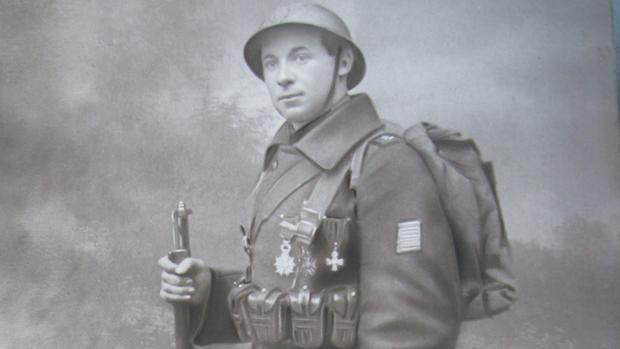 Urbain Martien, abuelo de Stefan Hertmans, vestido de soldado