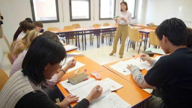 Alumnos de diversos países asisten a los cursos de español para extranjeros en la Universidad de Valladolid