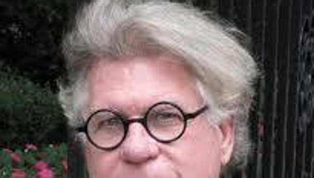 El novelista, editor y poeta norteamericano B. Morrow