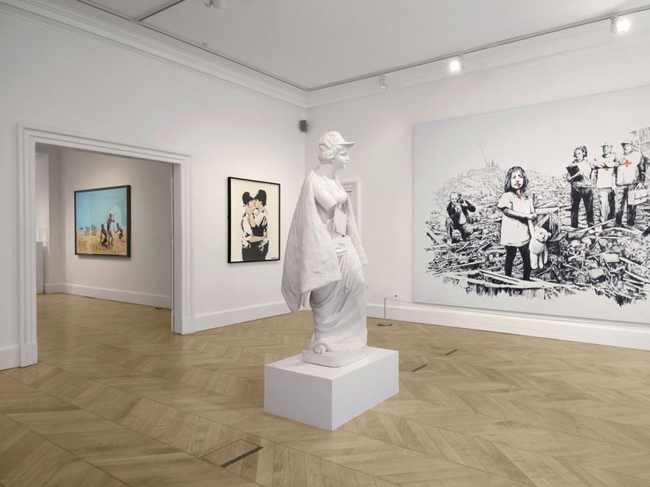 Banksy vende una obra por 1,5 millones de libras un día antes de inaugurar una exposición en Londres