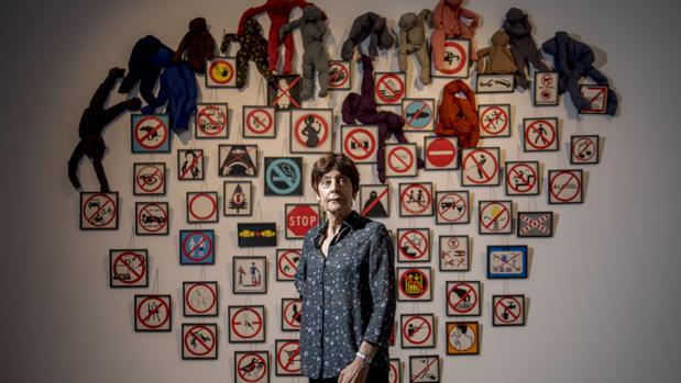 Annette Messager: «Los museos están felices de exponer a mujeres, pero no de comprarles obra»