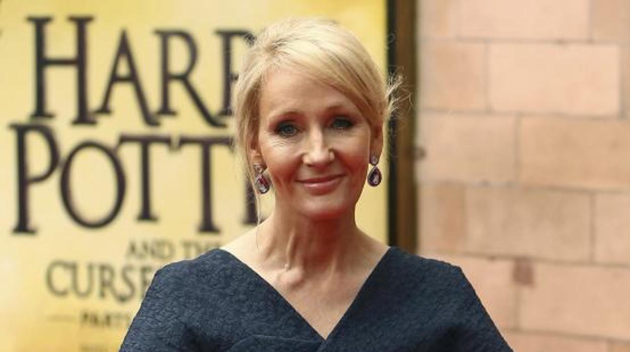 La autora de Harry Potter sacará un nuevo libro en Septiembre