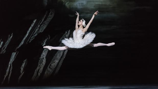 El Royal Ballet presenta en el Teatro Real su nueva producción de «El lago de los cisnes»