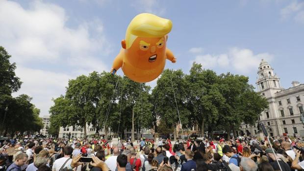 El «Baby Trump» sobrevoló Londres durante la visita del presidente de los EE. UU.