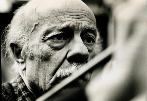 El escritor argentino Ernesto Sábto, fotografiado en 1995