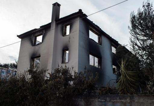 La casa de Theo Angelopoulos destruida por el incendio que ha asolado la región de Ática