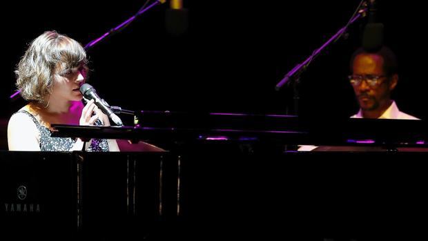 Norah Jones, junto a Brian Blade, en las Noches del Botánico