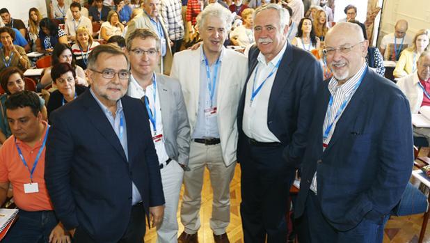 De izquierda a derecha: José Calvo Poyato, Santiago Posteguillo, Juan Luis Arsuaga, Antonion Pérez Henares y Juan Eslava Galán