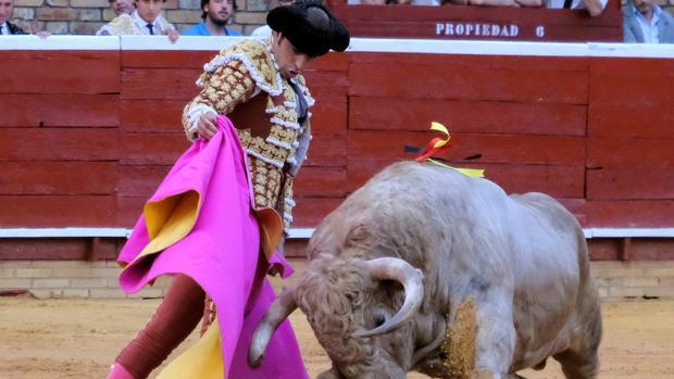 Miguel Ángel Perera, en el saludo a la verónica