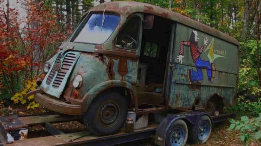 Encuentran el primer autobús de gira de Aerosmith abandonado en un bosque