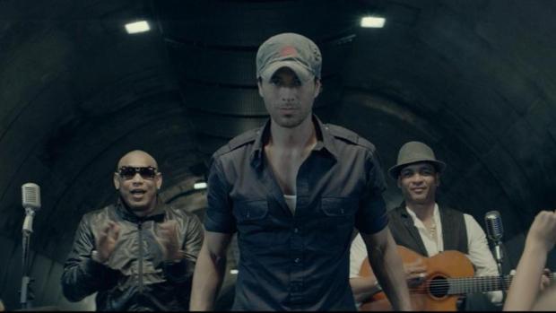 Imagen del videoclip «Bailando» de Enrique Iglesias