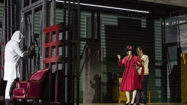 Sean Panikkar, Vera Lotte Boecker y Russell Braun, en una escena de la ópera