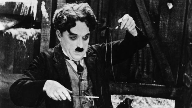 Charles Chaplin: el genio del bastón y el chiste mudo