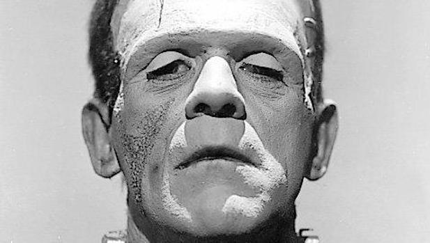 Boris Karloff en el papel de la criatura de Frankenstein