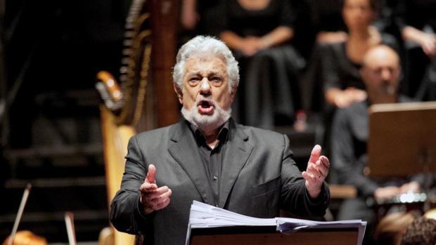El cantante de ópera Plácido Domingo durante su interpretación de la ópera Thaïs, de Massenet