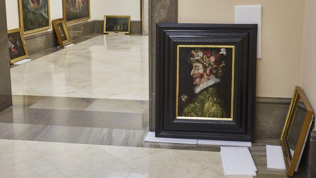 Las tablas han sido puestas a salvo de las vibraciones que registran los muros del Palacio de Goyeneche que dan a Alcalá