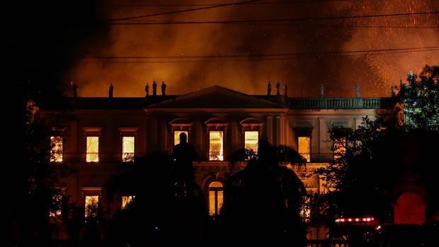 El Museo Nacional de Río, pasto de las llamas