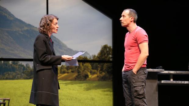 Nuria González y Fele Martínez, en una escena de «Todas las mujeres»