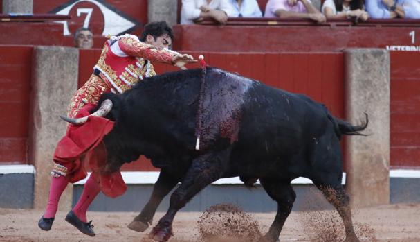 Estoconazo de Lopez Chaves al quinto toro