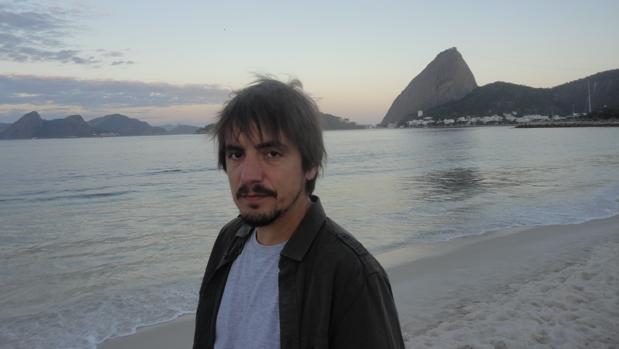 Lucas Martín, fotografiado en una playa de Brasil