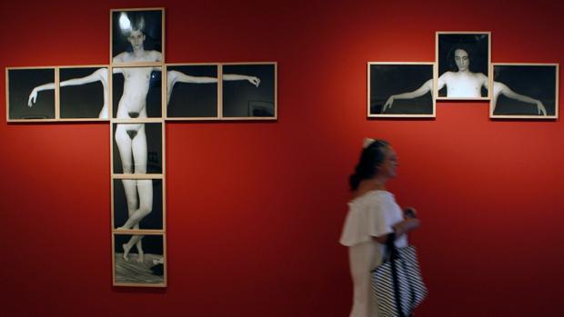 fundació mapfre barcelona exposició imagen trump mujeres desnudas