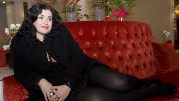 Foto de archivo de la escritora en la presentación de su novela «Lo verdadero es un momento de los falso»