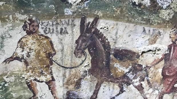 Una de las inscripciones encontradas en la tumba