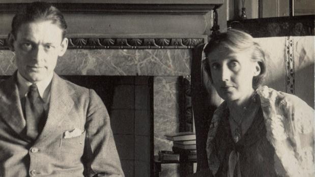 T. S. Eliot y Virginia Woolf en 1924