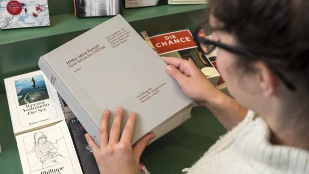 Imagen de archivo: Edición crítica del «Mein Kampf» de Hitler, que fue vendió 85.000 ejemplares en un año