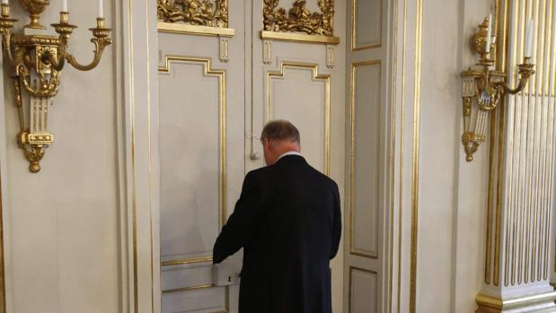 La puerta del secretario de la Academia, donde se falla cada año el Nobel, ha permanecido cerrada