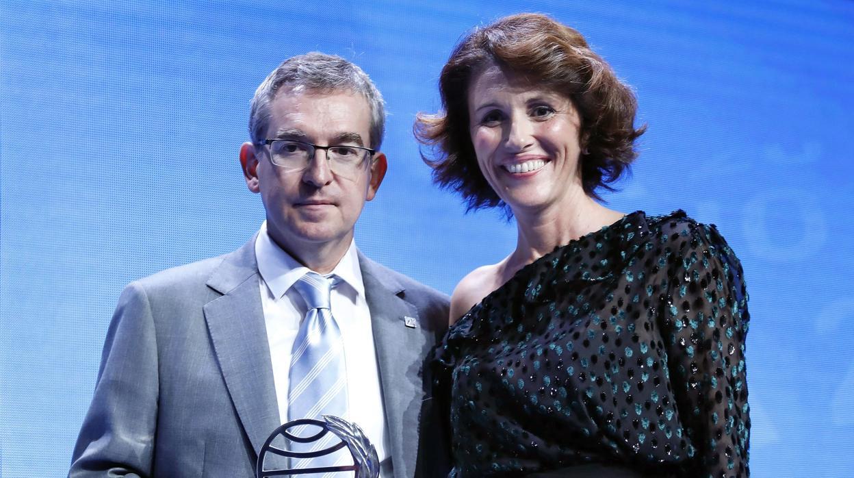 Sánchez Dragó lloró «como una magdalena» al ver a su hija finalista del Premio Planeta