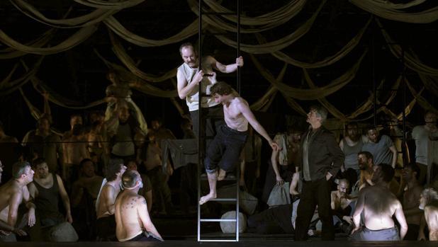 Una escena de la ópera «Billy Budd» en el Teatro Real