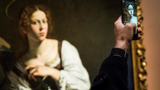El Museo Thyssen-Bornemisza ha presentado el resultado de la restauración de «Santa Catalina de Alejandría», de Caravaggio